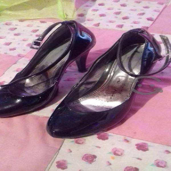Zapatos de tacón #6 son de charol