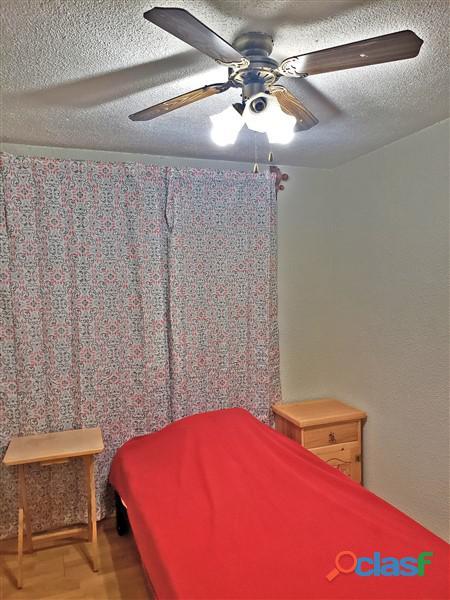 Se renta habitación amueblada en Coapa.
