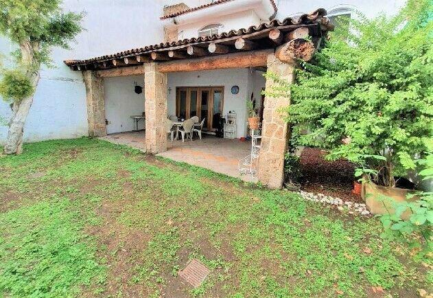380m2c / jardin / terraza / cto servicio / estilo mexicano