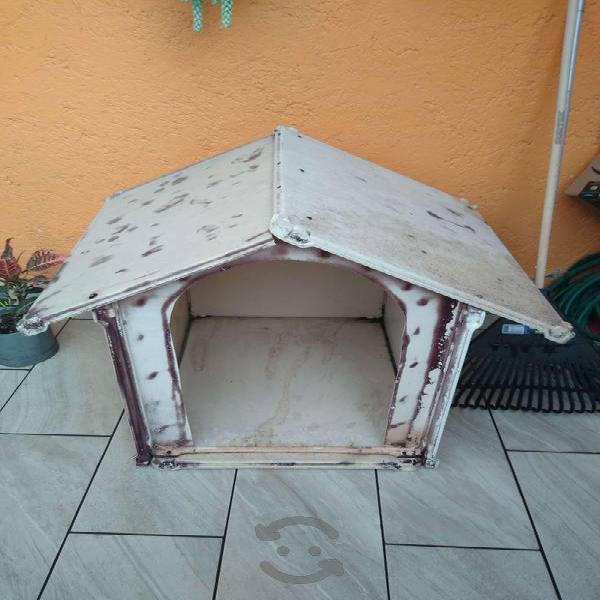 Casa para perro usada mediana