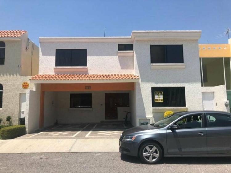 Renta de casa en privada la loma residencial