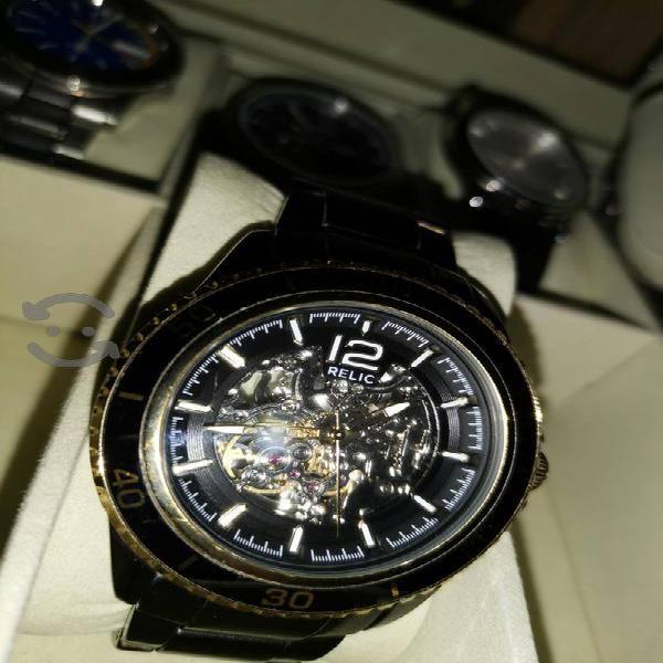 Reloj automático marca relic by fossil