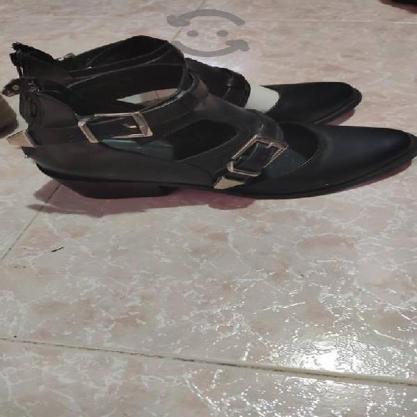 Zapatos casuales con tacón bajo mitú