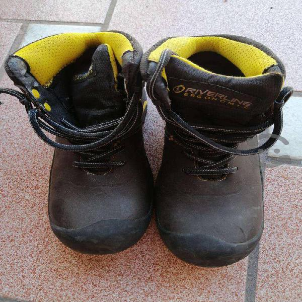 Zapatos de seguridad dielectricos y con casquillo