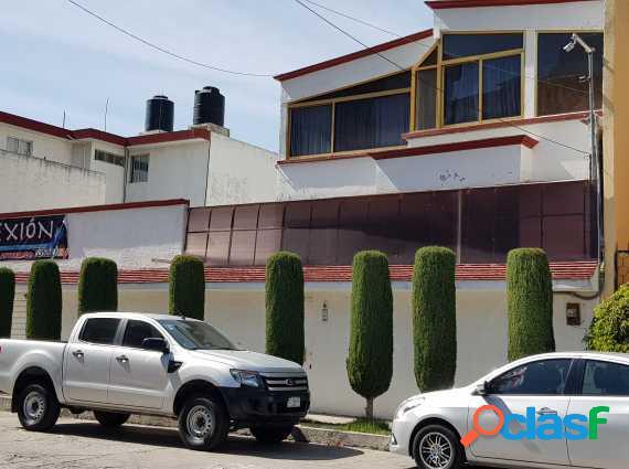 Fracc.constitución casa 3 niveles,doble terreno puede ser uso comercial 240m2 terreno 300m2 construc