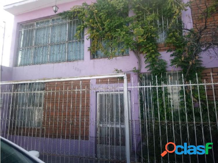 Se vende casa 6142403799