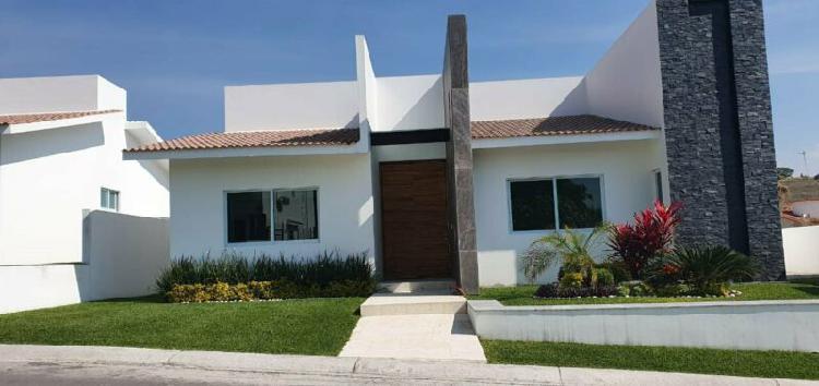 Preciosa casa en lomas de cocoyoc