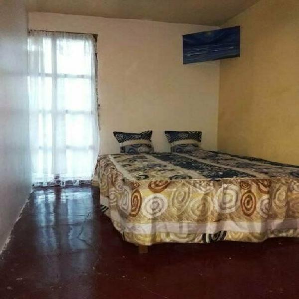 Renta de habitacion amueblada en casa para mujeres