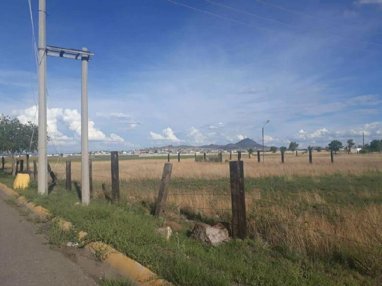 Se vende terreno sobre vialidad venezuela