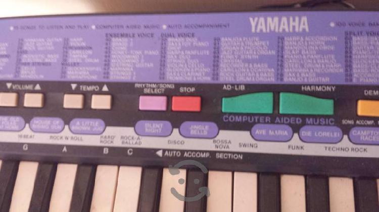 Teclado marca yamaha