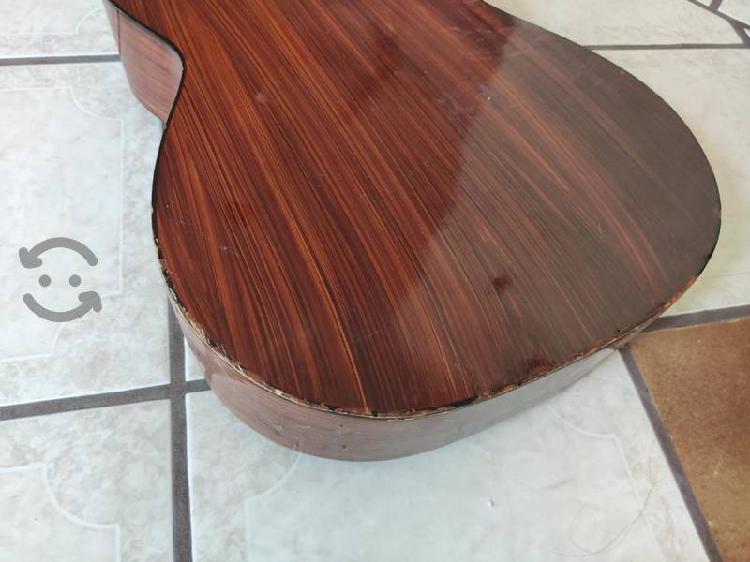Guitarra acústica guipar