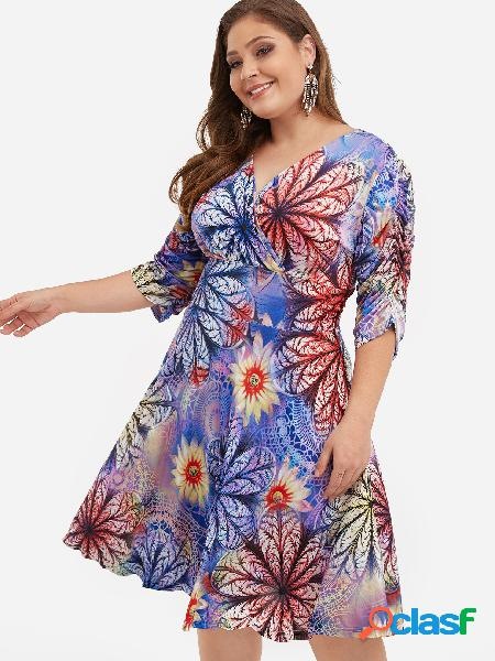 Vestido a media pierna con estampado floral de talla grande y azul