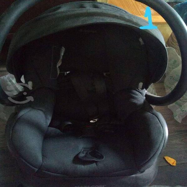 Asientos para coche, cuna y mecedora para bebé