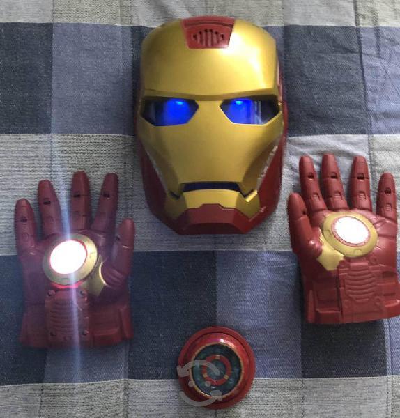Ironman mascara, guantes y corazón
