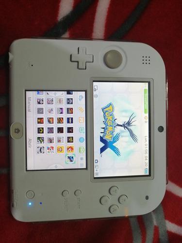 Nintendo 2ds blanco en excelente estado.