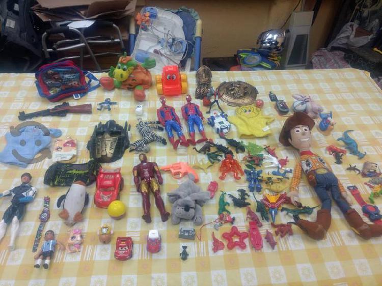 Lote de juguetes para niño spiderman cars de todo