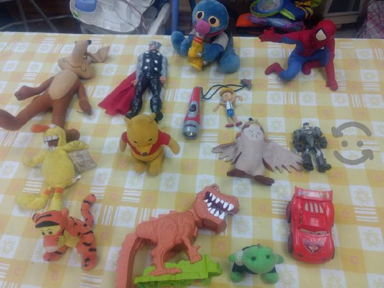 Lote juguetes batman dinosaurio cars thor pooh