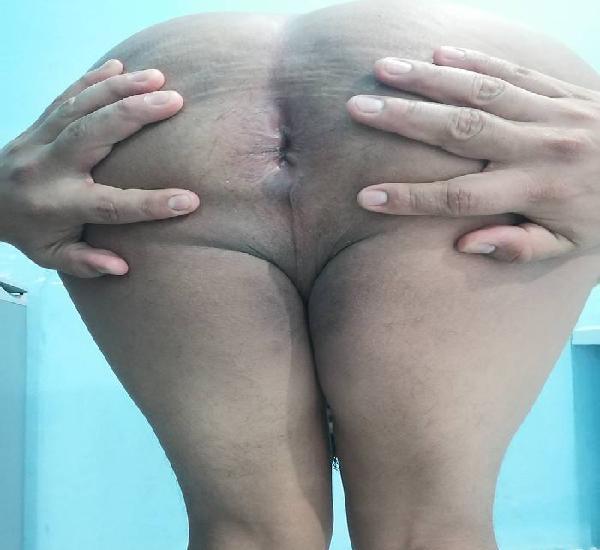 Pasivo de 23 años quiere verga tiene el culo apretado