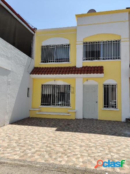Casa en renta amueblada en fracc privado quinta las villas