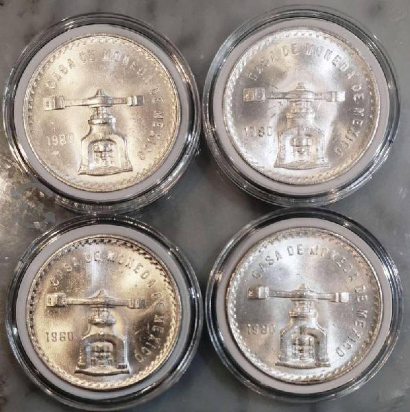 4 onzas troy plata 1980 sin circular en sus capsul