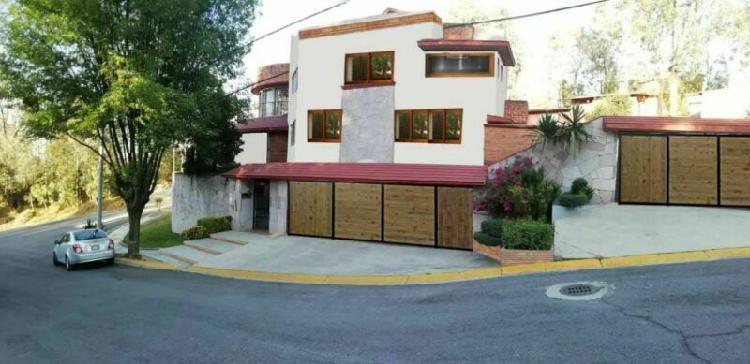 Casa residencial estilo colonial
