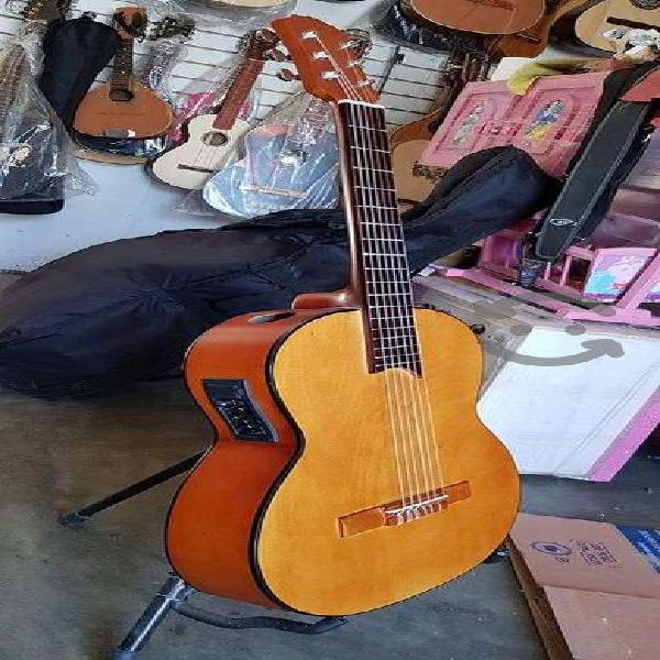 Elegante!!! guitarra profesional electroacustica