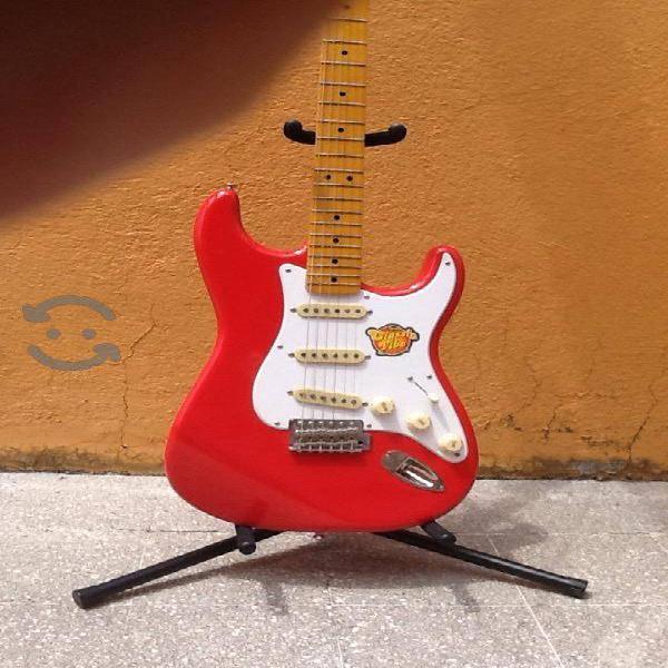 Guitarra electrica squier fender, nueva colección
