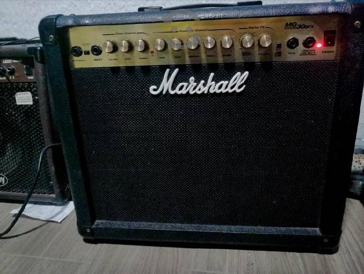 Amplificador para guitarra marshall mg 30 dfx