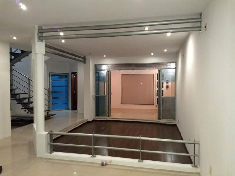 Casa renta milenio iii ideal oficina 5 rec 4 baños roof