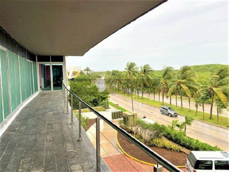 Extraordinaria oficina amueblada y equipada en puerto cancun
