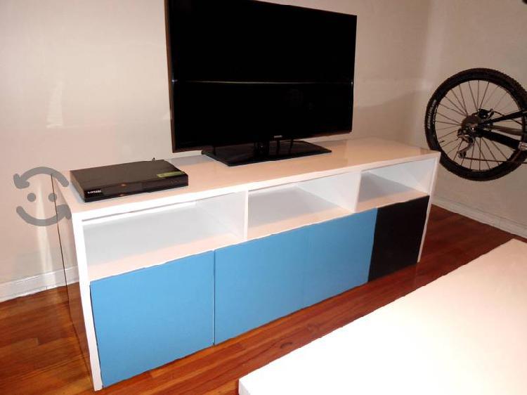Centro de entretenimiento para pantalla 4k moderno