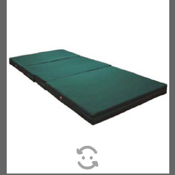 Colchón seccionado para cama hospitalaria