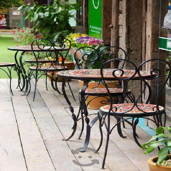 Juego de mesa y sillas jardin azulejo talavera!