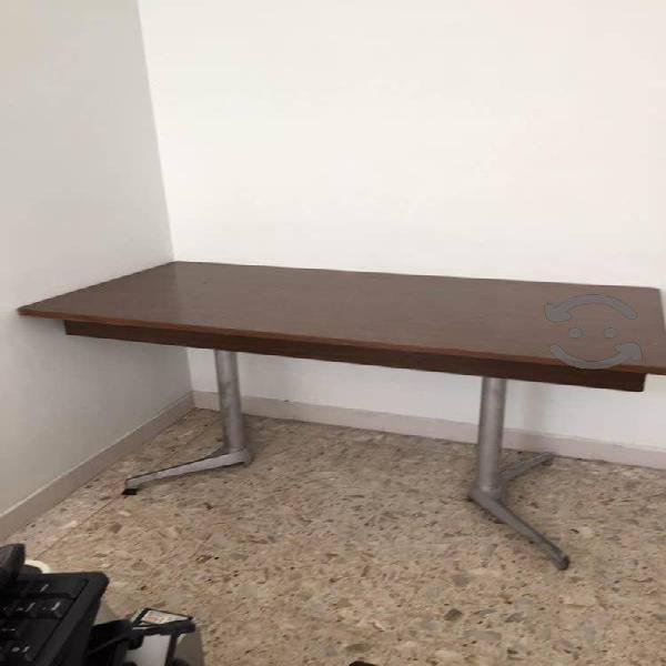 Mesa fabricada en formaica diversidad de usos