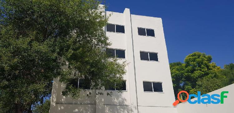 Oficina en renta zona centro de monterrey. edificio nuevo de oficinas en excelente ubicación a cuadras del palacio de gobierno con estacionamiento exclusivo. (mvo) oficina en segundo piso.