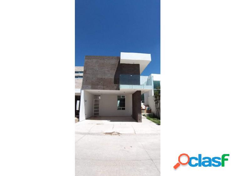 01512 se vende casa en residencial loretta.