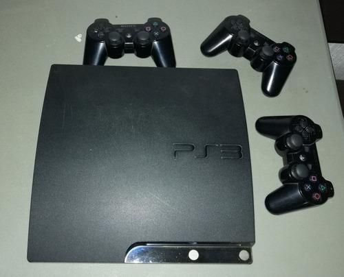 Consola ps3 slim de 320 gb con 3 controles y 6 juegos