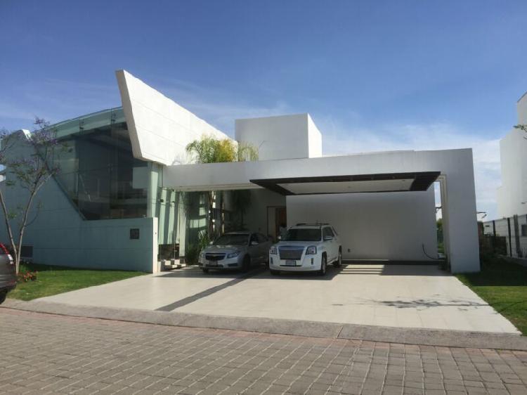 Casa en renta en villas regency jurica queretaro con casa
