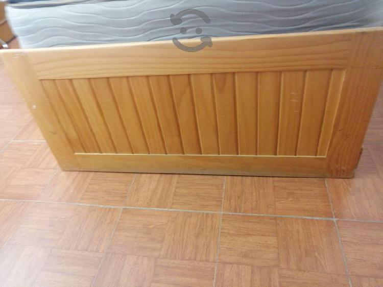 Cuna, cama de madera de pino