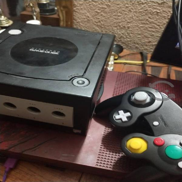Game cube con sonic v/c