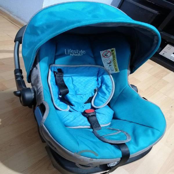 Carriola plegable y porta bebé infanti lyfestyle