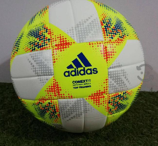 Balón de fútbol adidas conext19 top training
