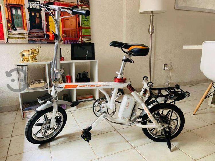 Bicicleta eléctrica pegable