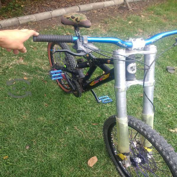 Bicicleta gt dhi para downhill