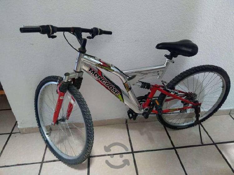 Bicicleta marca mongoose rodada 26 de aluminio