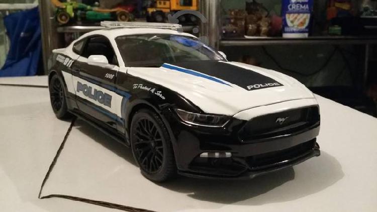Mustang gt 2015 concept a escala 1/18