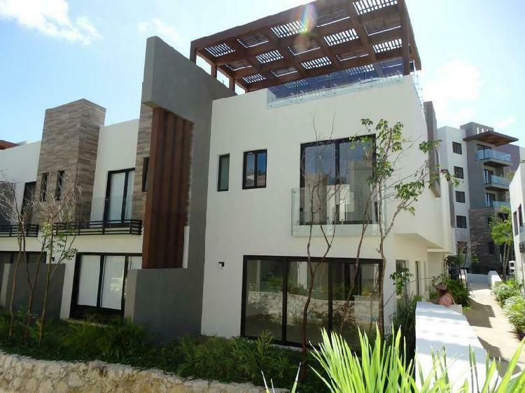 Casa villa de 3 recamaras roof garden jacuzzy en playa del