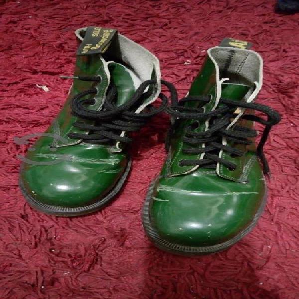 Botas. dr martens!!. green!!