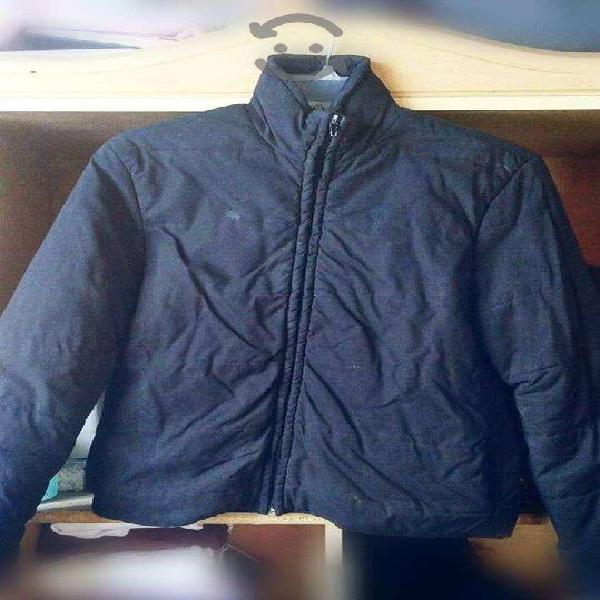 Chamarra negra usada talla mediana mujer chaqueta