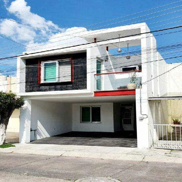 Casa en venta en condominio sobre avenida guadalupe zapopan